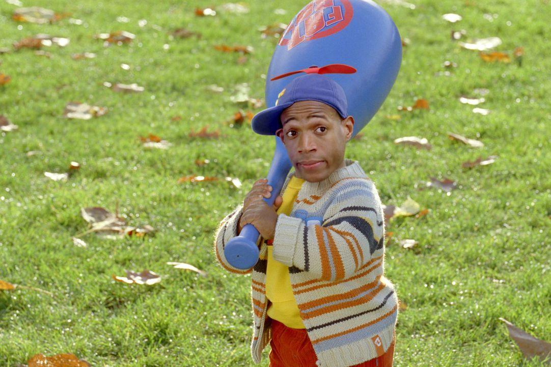 """Der Job als Baby ist für den kleinwüchsigen Calvin (Marlon Wayans) keineswegs so einfach, wie er glaubte. Denn in Darryl hat er einen übereifrigen """"... - Bildquelle: Sony Pictures Television International. All Rights Reserved."""