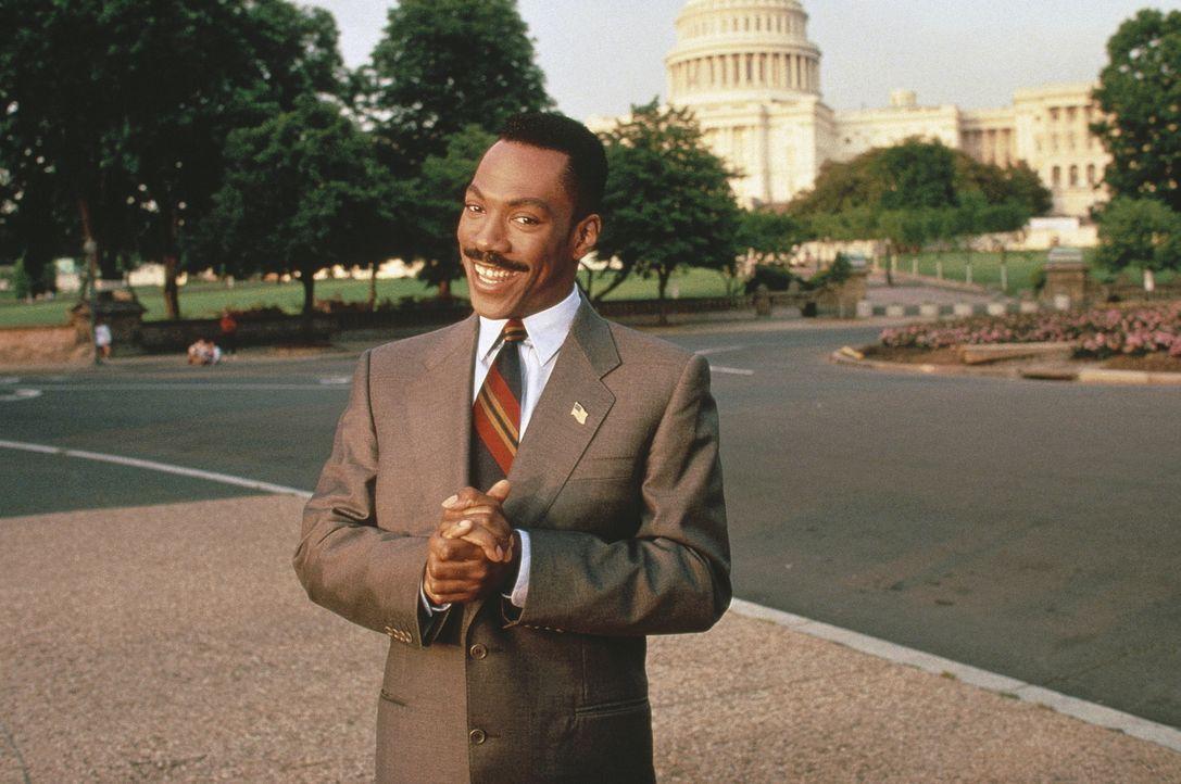 Kleingauner Thomas Jefferson Johnson (Eddie Murphy) ist besessen von der Idee, als Abgeordneter ganz legal die große Kohle zu scheffeln. Eines Tages... - Bildquelle: Buena Vista Pictures