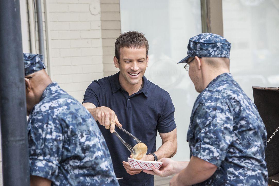 LaSalle und sein Team werden zu einer Explosion in einem Restaurant gerufen, bei der die Navy-Köchin Danielle Jarrett schwer verletzt wurde. Wollte... - Bildquelle: Skip Bolen 2016 CBS Broadcasting, Inc. All Rights Reserved / Skip Bolen