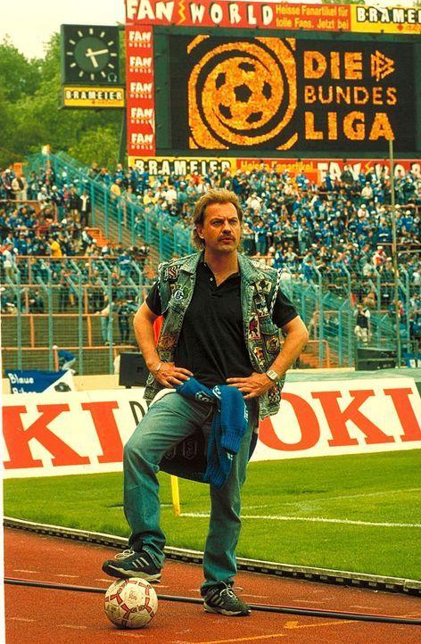 In Hans Pollaks (Uwe Ochsenknecht) Leben kommt erst der Fußball und dann lange nichts ... - Bildquelle: Seven Pictures