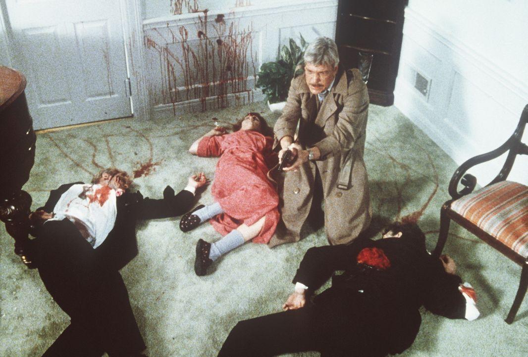 Ray Cameron fühlte (Tom Atkins, M.) fühlte sich bei seinen Gastgebern einfach nicht mehr wohl ... - Bildquelle: TriStar Pictures