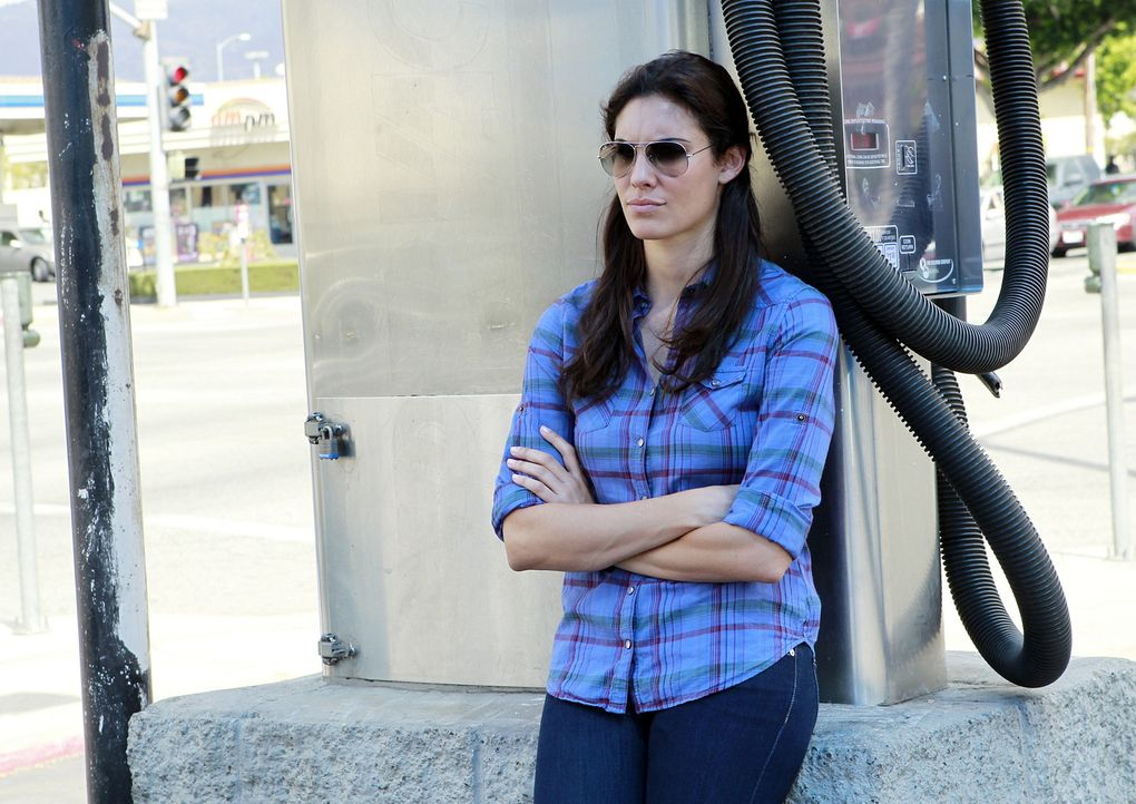Ermittelt undercover: Kensi (Daniela Ruah, M.) ... - Bildquelle: CBS Studios Inc. All Rights Reserved.