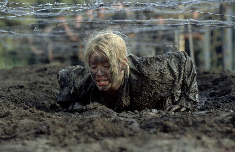 Als ihre Mutter einen General und Leiter einer Militärakademie heiratet, findet das behütete Leben der 14-jährigen Kelly Collins (Hilary Duff) ei... - Bildquelle: Walt Disney Television