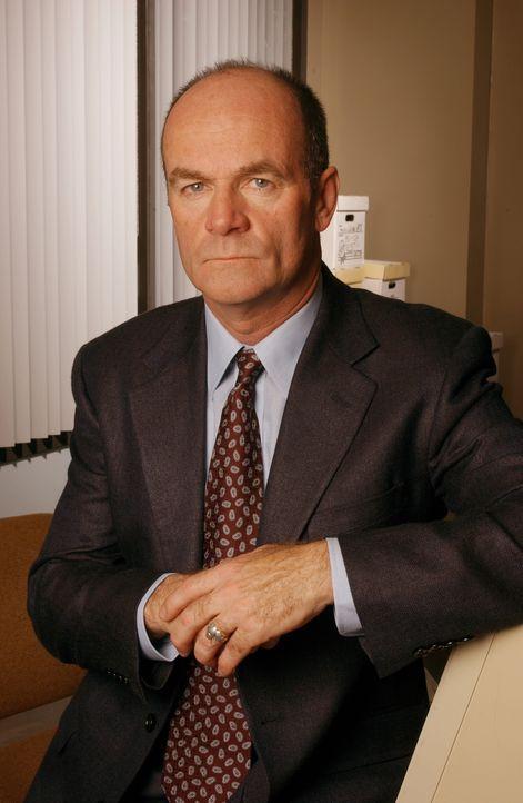 (1. Staffel) - Lt. John Stillman (John Finn) ist Lilly Rushs direkter Vorgesetzter und füllt außerdem die Rolle eines väterlichen Freundes aus - Bildquelle: Warner Bros. Television