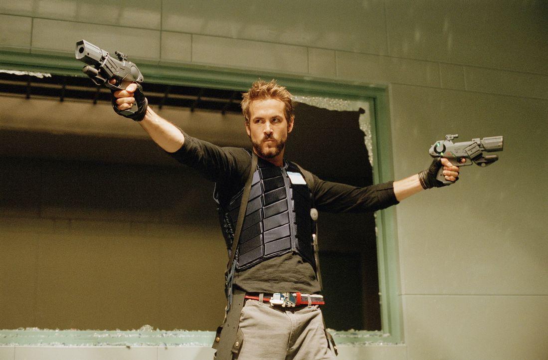 Im Kampf gegen das Böse: Hannibal King (Ryan Reynolds) ... - Bildquelle: New Line Cinema