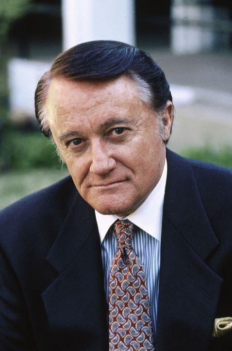 Der schmierige Geschäftsmann Edward Bolt (Robert Vaughn) kennt keine Skrupel bei der Vermehrung seines Reichtums ... - Bildquelle: WALT DISNEY COMPANY