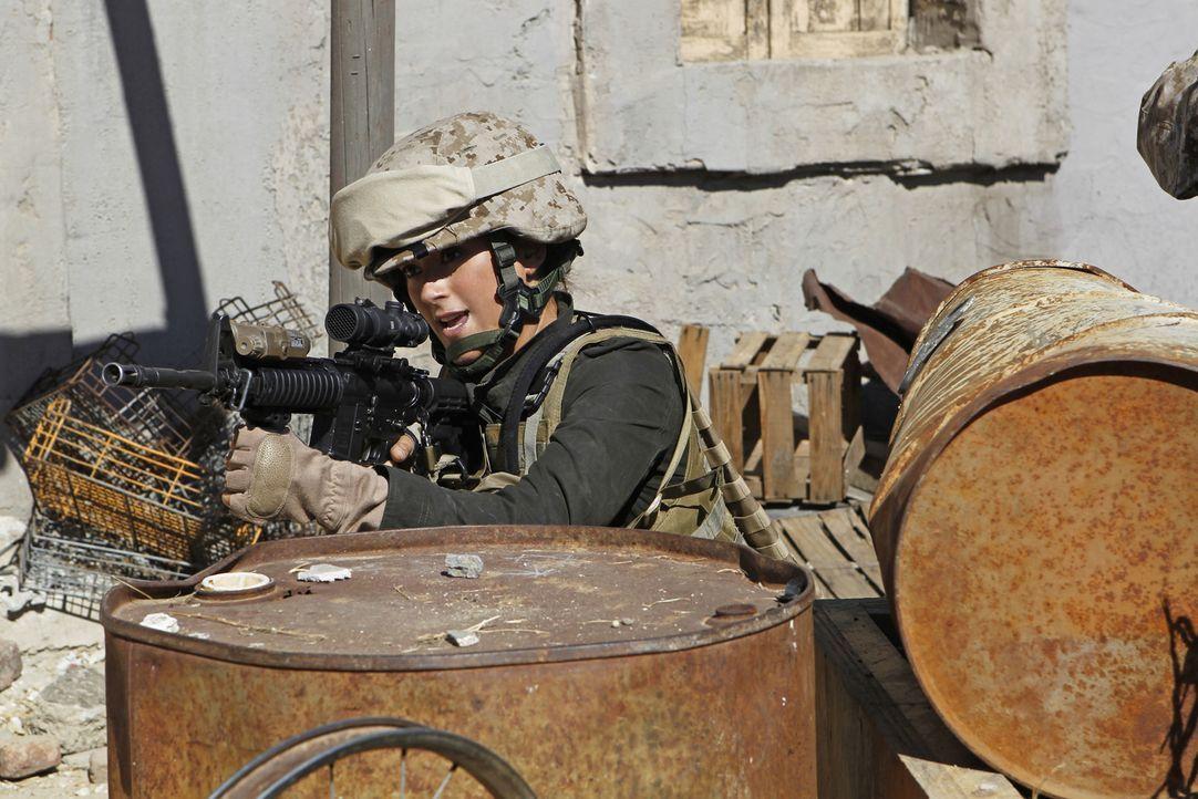 Gibbs und Ziva (Cote de Pablo) fliegen nach Afghanistan, nachdem sie eindeutige Hinweise erhalten haben, dass Lieutenant Gabriela Flores noch am Leb... - Bildquelle: CBS Television