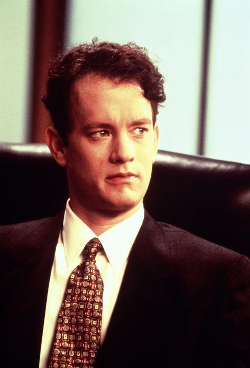 Der erfolgsverwöhnte Anwalt Andrew Beckett (Tom Hanks) kann es nicht glauben, dass ihm seine Vorgesetzten gerade die Kündigung ausgesprochen haben .... - Bildquelle: Columbia Pictures
