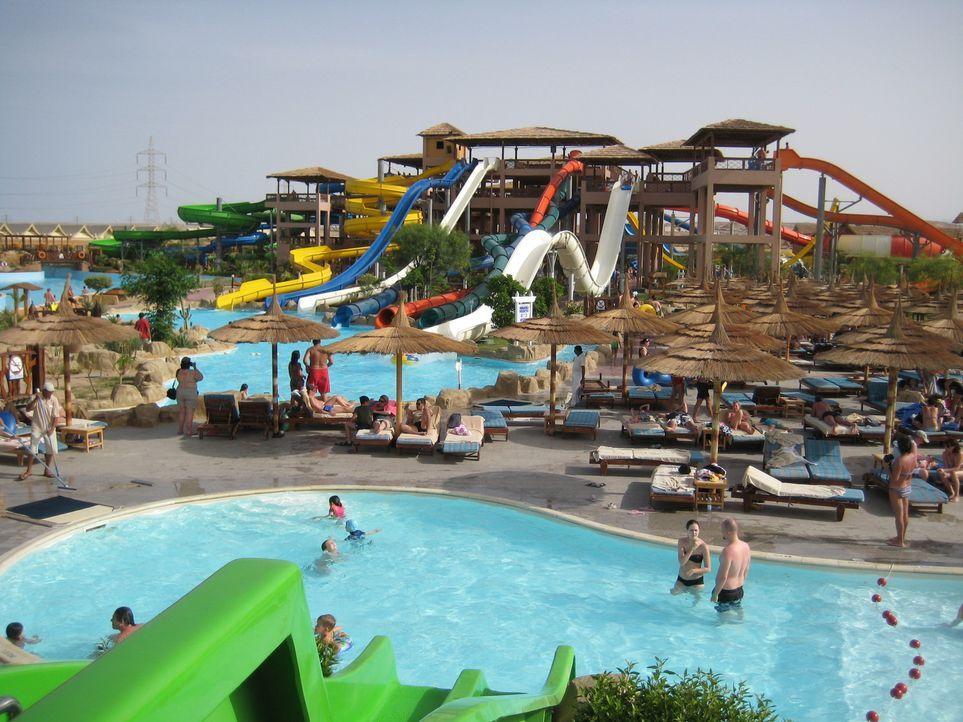 In Ägypten geht der Trend immer mehr hin zu riesigen Wasserparks. Es ist eine riesige Herausforderung für Ingenieure, Mitarbeiter und Sicherheitsl... - Bildquelle: kabel eins