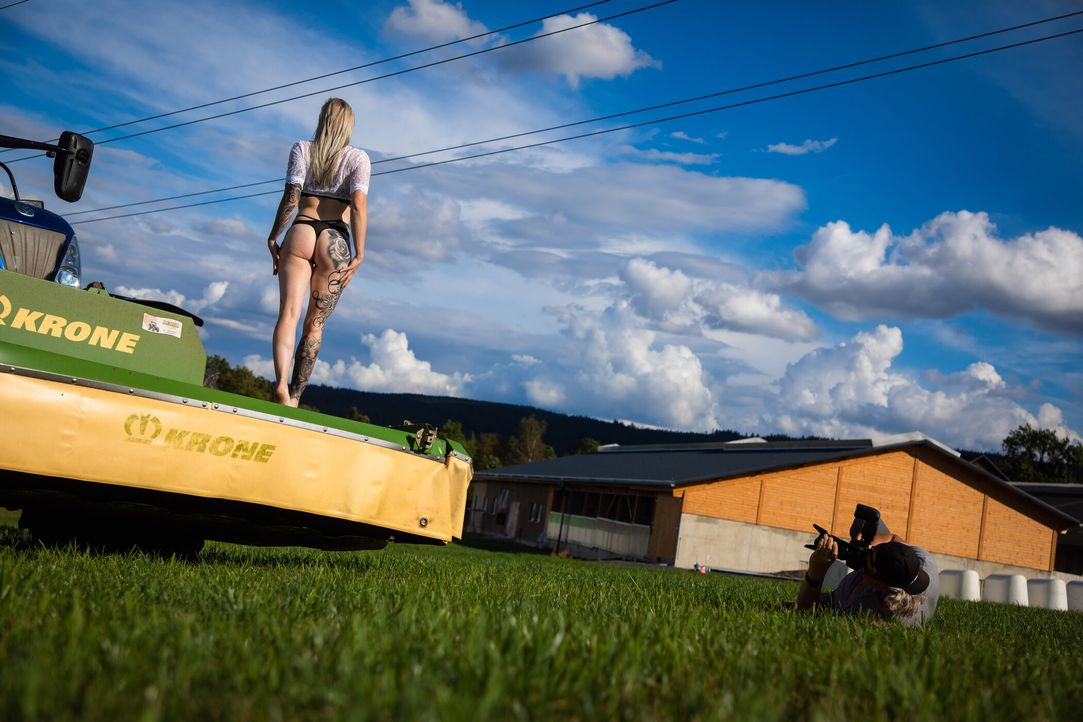 Hedi beim erotischen Shooting 09 - Bildquelle: Kabel Eins / Benedikt Müller