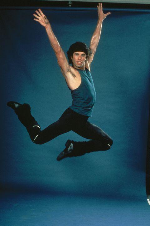 Seit fünf Jahren lebt der frühere Disco-King Brooklyns, Tony Manero (John Travolta), nun schon in Manhattan, und immer noch wartet er auf seine gr... - Bildquelle: Paramount Pictures