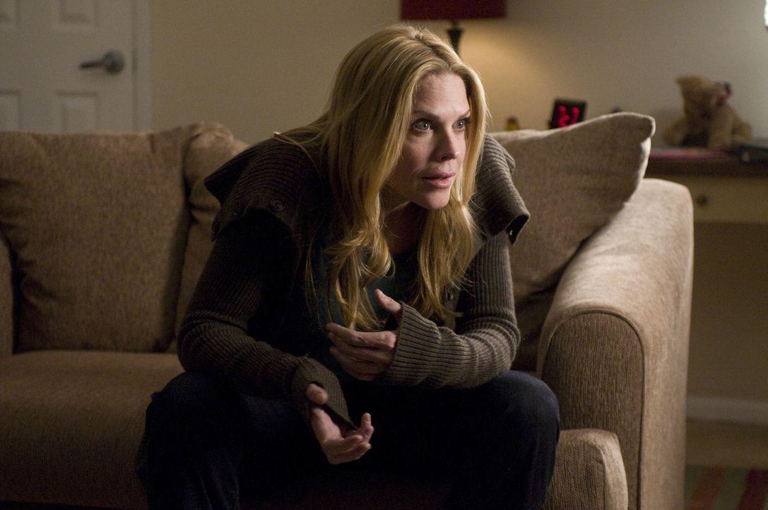 Kann Mary (Mary McCormack) Maureens Sohn überzeugen, sich von seiner Mutter zu lösen? - Bildquelle: USA Network