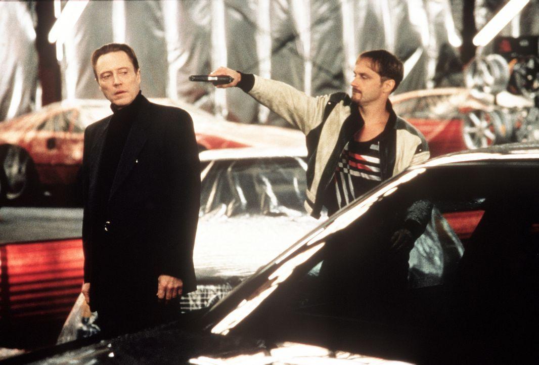 Endlich kommt Raymond (Christopher Walken, l.) dem Autodieb Greg (Harry Connick jr., r.) auf die Spur. Doch dieser ist wieder einmal einen Tick schn... - Bildquelle: Columbia Pictures