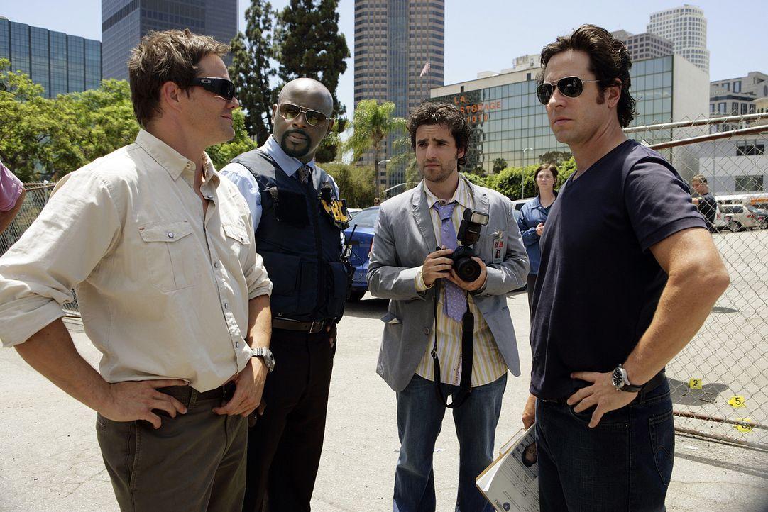 Bei einem Bankraub kommt es zu einer Schießerei, wobei zwei FBI-Agenten und zwei Bankräuber ums Leben kommen: Colby (Dylan Bruno, l.), David (Alimi... - Bildquelle: Paramount Network Television