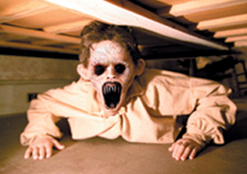 Barbarische Dämonen (Steve Green) treiben auf einer verlassenen Farm ihr Unwesen ... - Bildquelle: CPT Holdings, Inc.  All Rights Reserved.