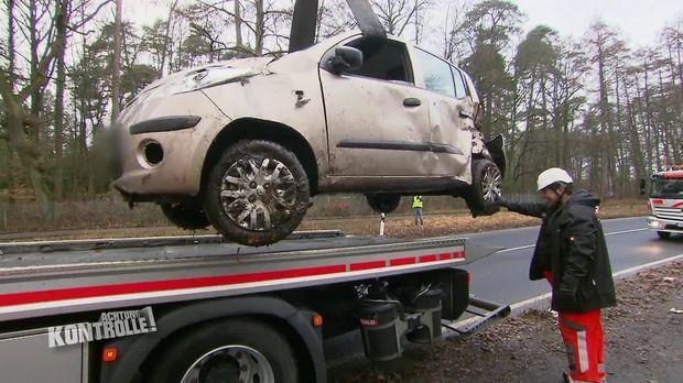 Achtung Kontrolle - Achtung Kontrolle! - Thema U.a.: Totalschaden Nach Gefährlichem Unfall - Abschleppdienst Aachen