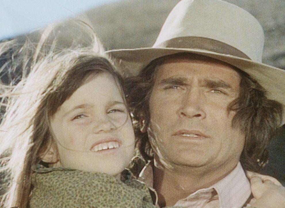 Charles (Michael Landon, r.) muss seine kleine Tochter Carrie (Lindsay Sidney Greenbush, l.) bald wieder verlassen und sich Arbeit bei der Eisenbahn... - Bildquelle: Worldvision