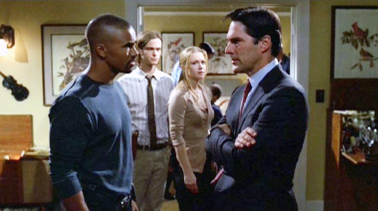 Der Serienmörder Frank hat in Jason Gideons Appartement dessen College-Freundin Sarah ermordet ... Das BAU-Team ermittelt vor Ort:  Derek Morgan (S... - Bildquelle: Touchstone Television