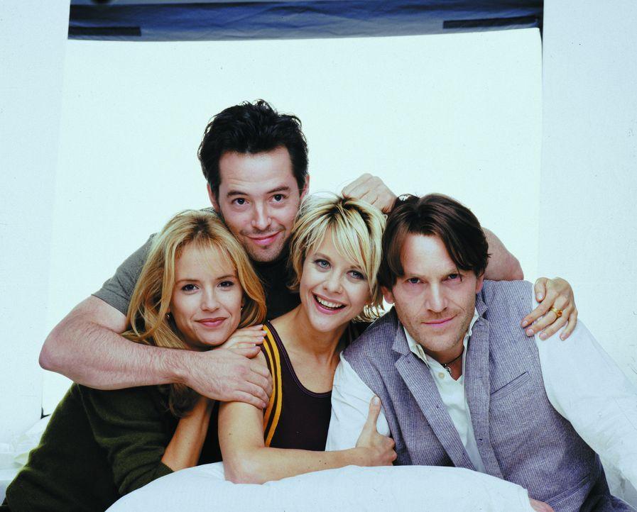 Haben Liebesstreß: (v.l.n.r.) Linda (Kelly Preston), Sam (Matthew Broderick), Maggie (Meg Ryan) und Antoine (Tchéky Karyo) ... - Bildquelle: Warner Brothers International