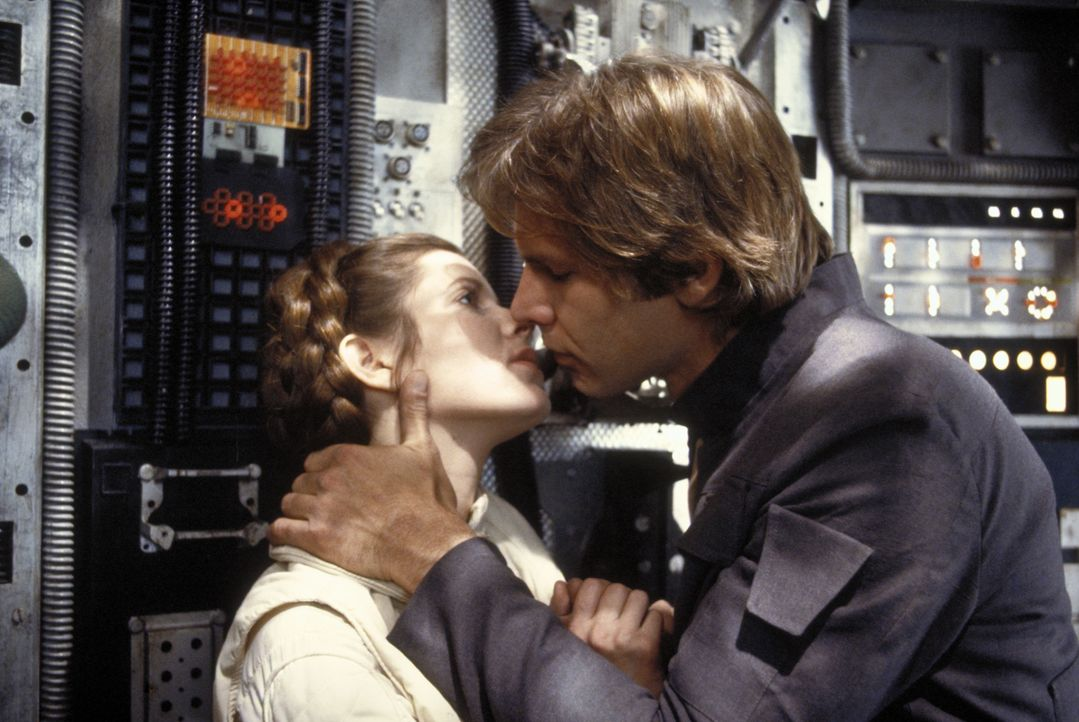 Hat die Liebe zwischen Han Solo (Harrison Ford, r.) und der Prinzessin Leia (Carrie Fisher, l.) überhaupt eine Chance? - Bildquelle: TM & © 2015 Lucasfilm Ltd. All rights reserved. Used under authorization.