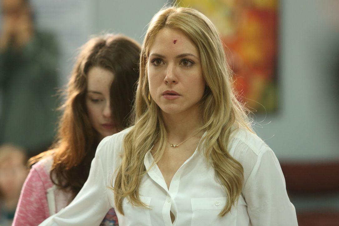 Kaum auf der neuen Dienststelle angekommen, wird sie schon in ein dramatisches Verbrechen verwickelt: Psychiaterin Dr. Clara Malone (Brooke Nevin) ... - Bildquelle: BetaFilm