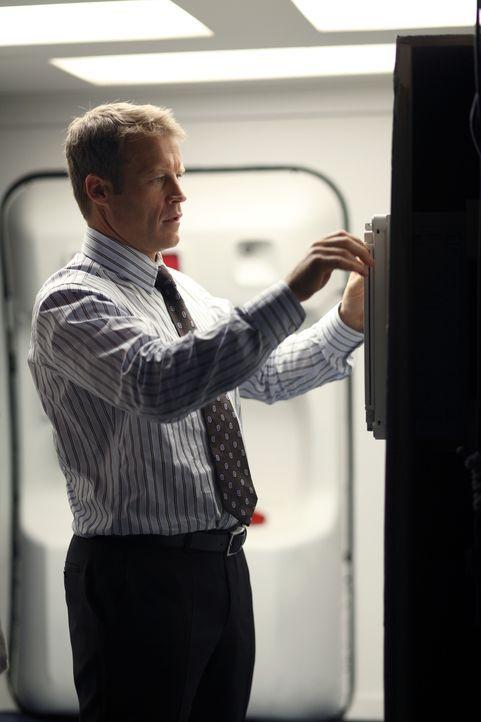 Ein neuer Auftrag wartet auf Christopher Chance (Mark Valley) ... - Bildquelle: Warner Bros.