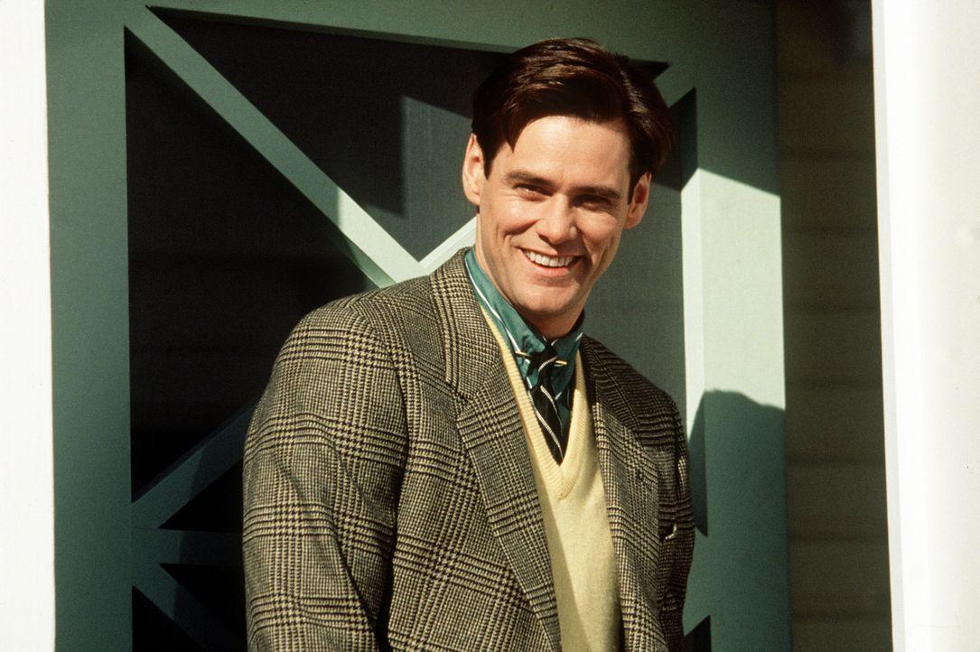 Truman (Jim Carrey) lebt als Versicherungsangestellter in dem kleinen, idyllischen Städtchen Seahaven. Immer wieder wird er von einem Gefühl gepla... - Bildquelle: Paramount Pictures