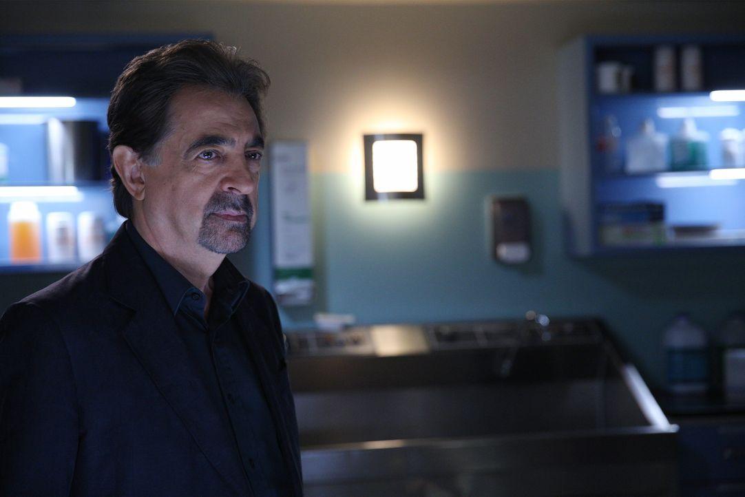Als eine Frau umgebracht wird, muss das Team um Rossi (Joe Mantegna) alles geben, um den Täter zu fassen ... - Bildquelle: Cliff Lipson 2015 American Broadcasting Companies, Inc. All rights reserved. / Cliff Lipson