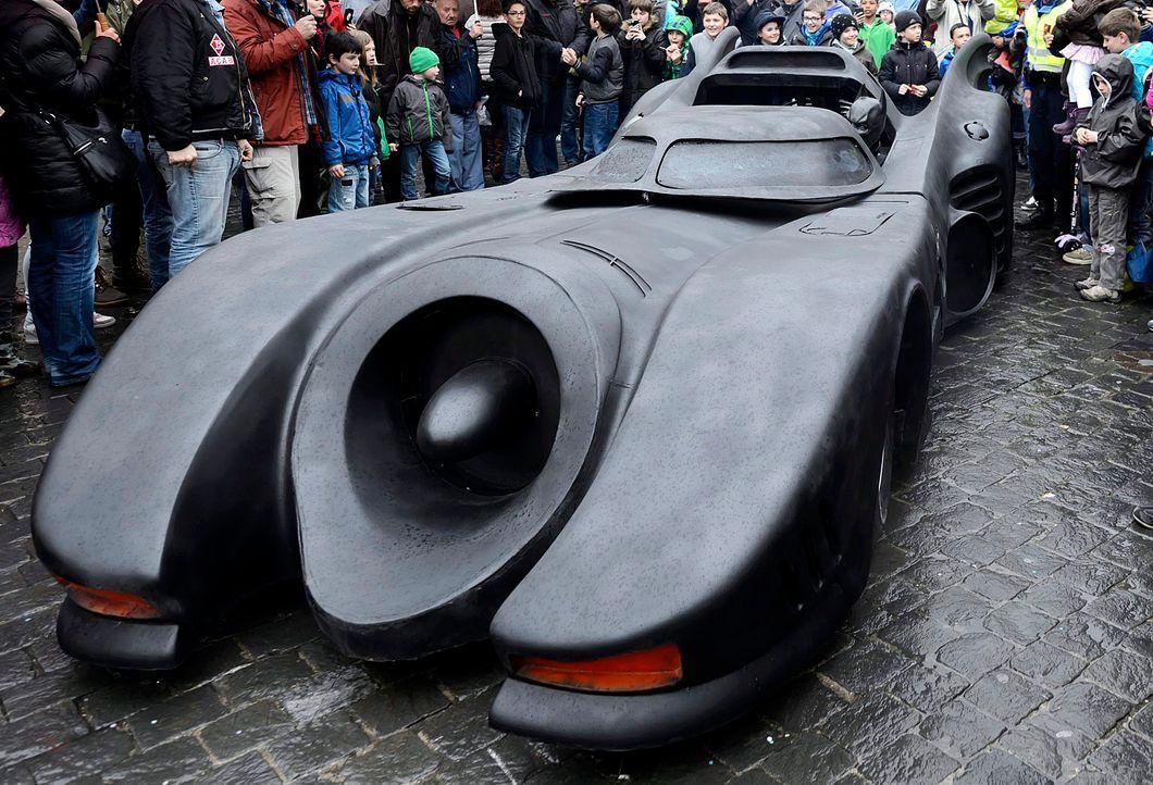 Batmobil-Batman-2-dpa - Bildquelle: dpa