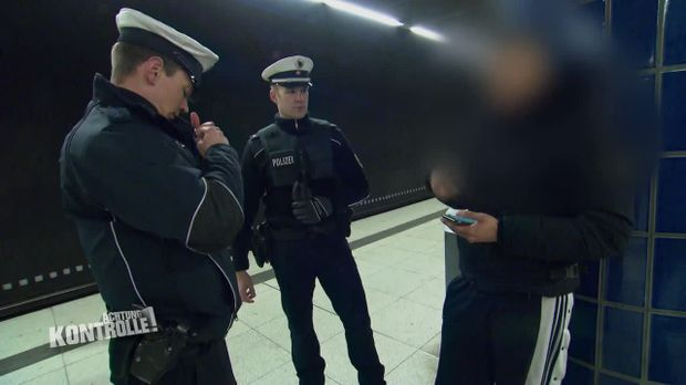 Achtung Kontrolle - Achtung Kontrolle! - Thema U.a.: Bupo Hamburg Sorgt Für Die Sicherheit An Den S-bahnhöfen
