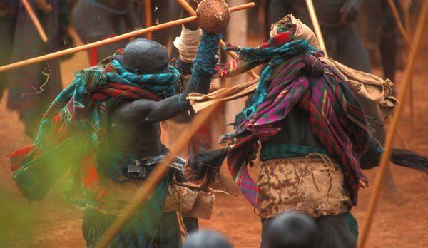 Kampf mit Schutzkleidung - Bildquelle: Richard Gress
