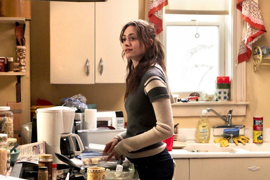 Kommt Fiona (Emmy Rossum) aus der Sache mit Debbies Kindesentführung heraus? - Bildquelle: 2010 Warner Brothers