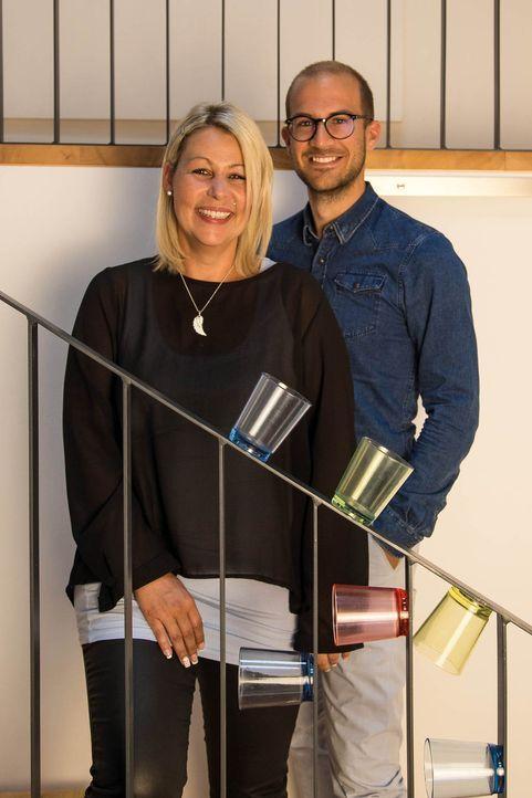 MaglassX-Gründer Silke (l.) und Christoph (r.) wollen 12.000 Gläser bei ihren öffentlichen Markteintritt auf der Caravanmesse in Düsseldorf verkaufe... - Bildquelle: kabel eins