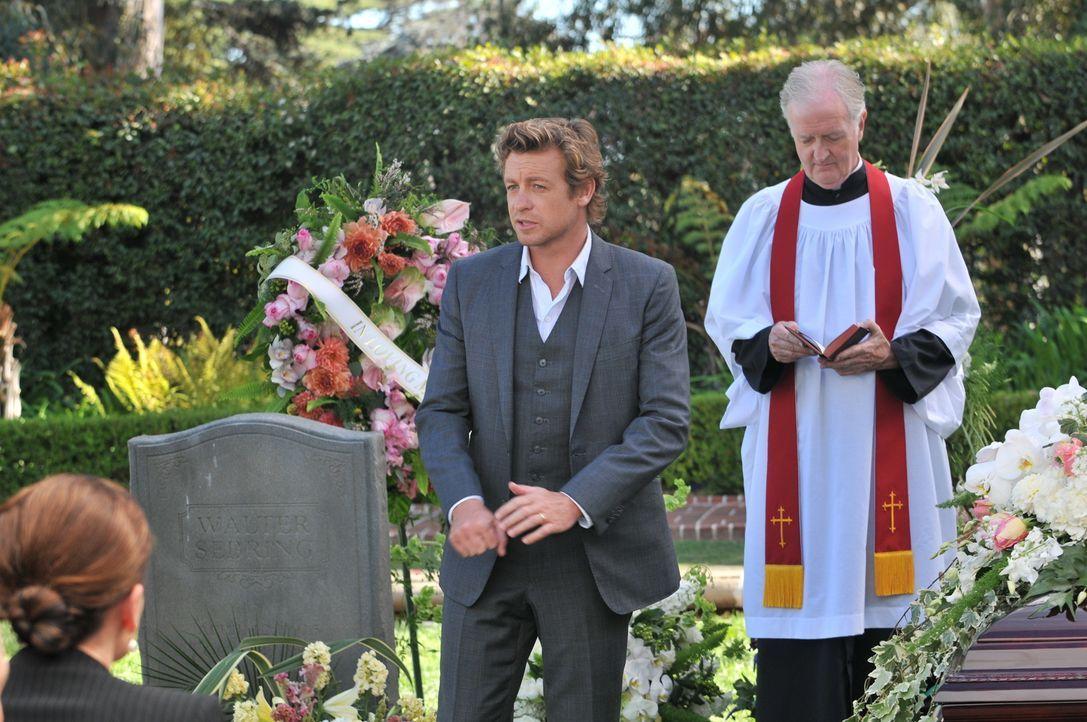 Auf der Suche nach einem Mörder: Patrick (Simon Baker, M.) ... - Bildquelle: Warner Bros. Television