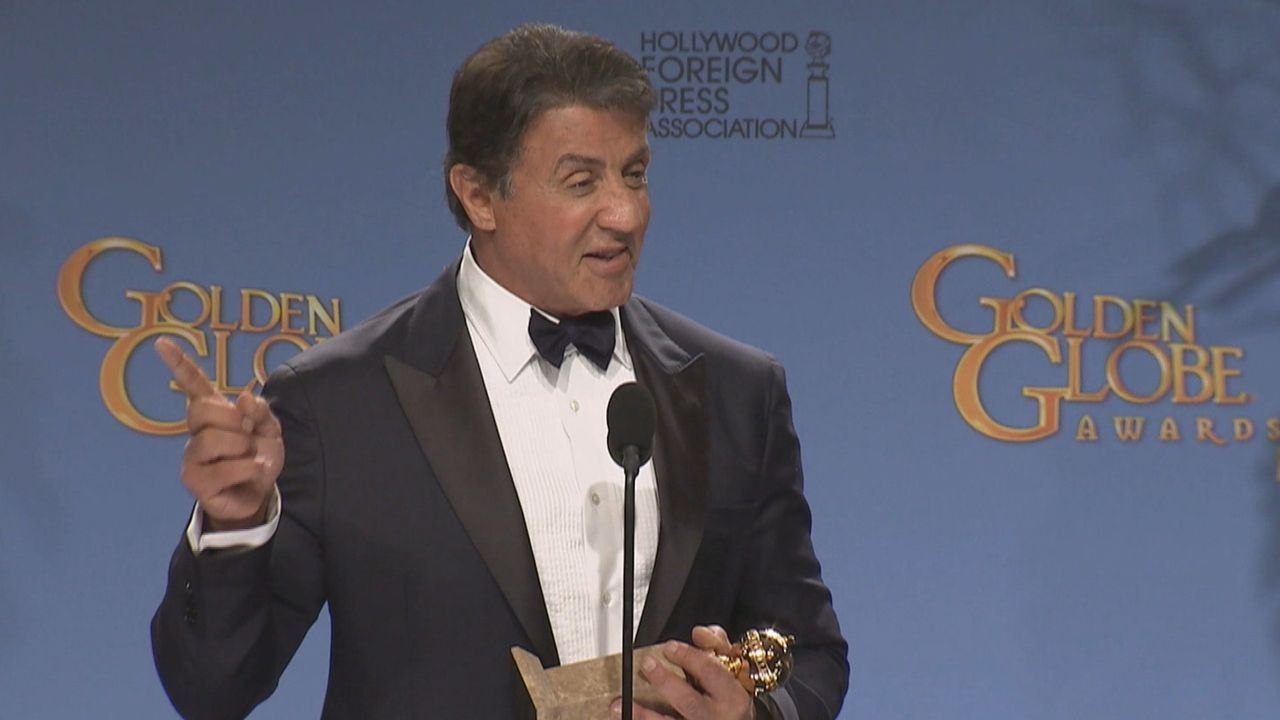 Schon früh wusste Sylvester Stallone, dass er Schauspieler werden möchte und legte entgegen aller Vermutungen eine spektakuläre Karriere hin ... - Bildquelle: kabel eins