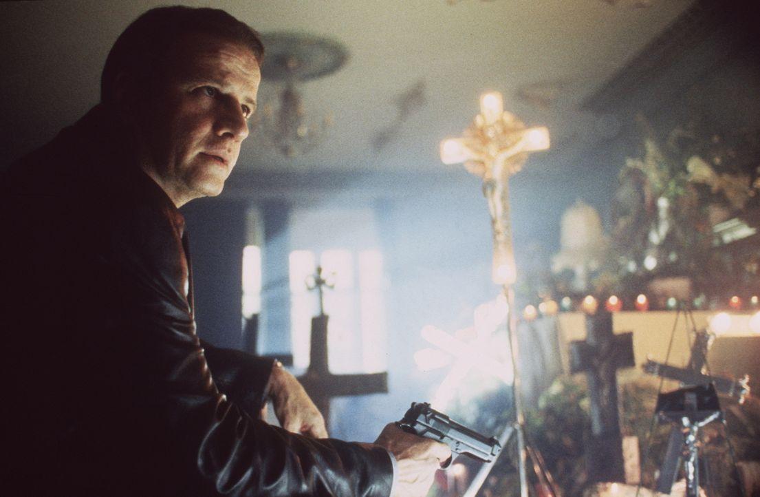 Bald stellt der ehrgeizige Detektiv John Prudhomme (Christopher Lambert) fest, dass alle Opfer des grausamen Serienkillers Gemeinsamkeiten aufweisen... - Bildquelle: Columbia TriStar Home Video