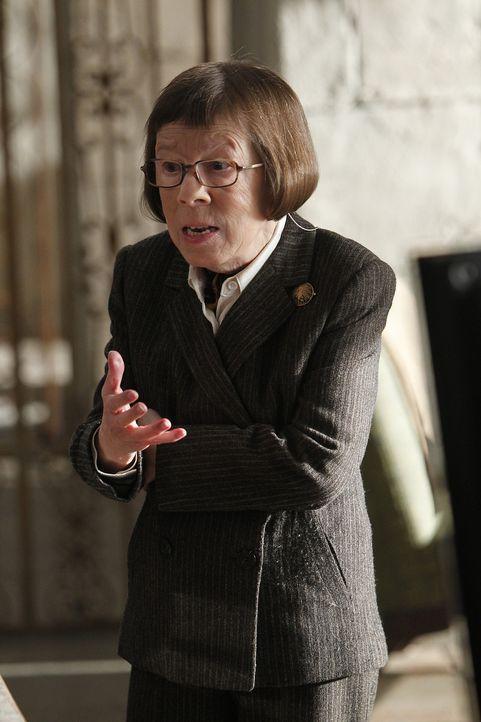 Hat eine ganz besondere Überraschung für das Team: Hetty (Linda Hunt) ... - Bildquelle: CBS Studios Inc. All Rights Reserved.