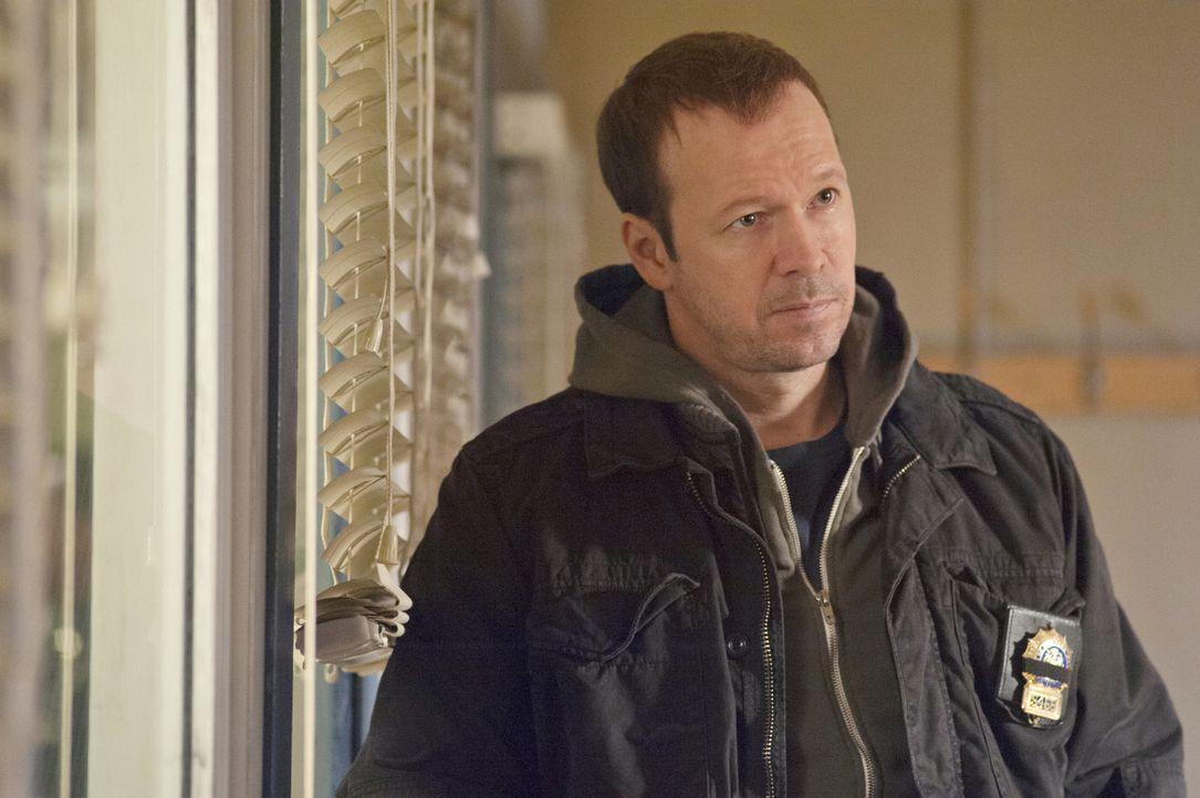 Es wird persönlich bei den Ermittlungen: Danny (Donnie Wahlberg) will den Polizistenmörder Phantom um jeden Preis schnappen und wendet dafür auch un... - Bildquelle: 2011 CBS Broadcasting Inc. All Rights Reserved
