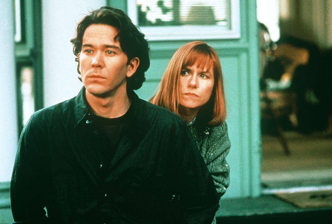 In der Umgebung des glücklichen Paares Thad (Timothy Hutton, l.) und Liz Beaumont (Amy Madigan, r.) ereignen sich mysteriöse Mordfälle. Trotz Ali... - Bildquelle: Orion Pictures Corporation