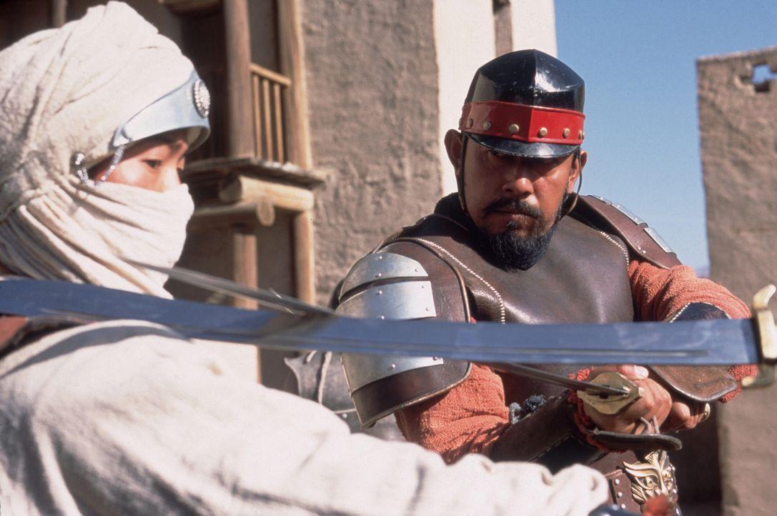 Zwischen Master An (Xueqi Wang, l.) und Li Zai (Wen Jiang, r.) entbrennt ein Kampf auf Leben und Tod ... - Bildquelle: Sony Pictures Television International. All Rights Reserved.