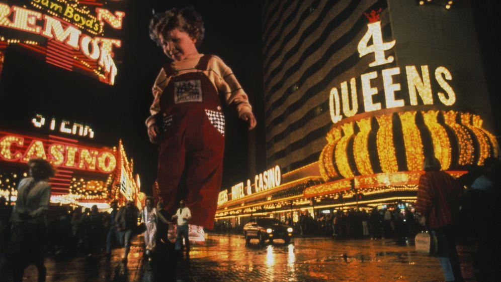Liebling, jetzt haben wir ein Riesenbaby - Bildquelle: Walt Disney Pictures