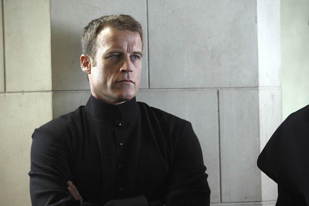 Sein neuer Job, verschlägt Christopher Chance (Mark Valley) ins Kloster ... - Bildquelle: Warner Brothers