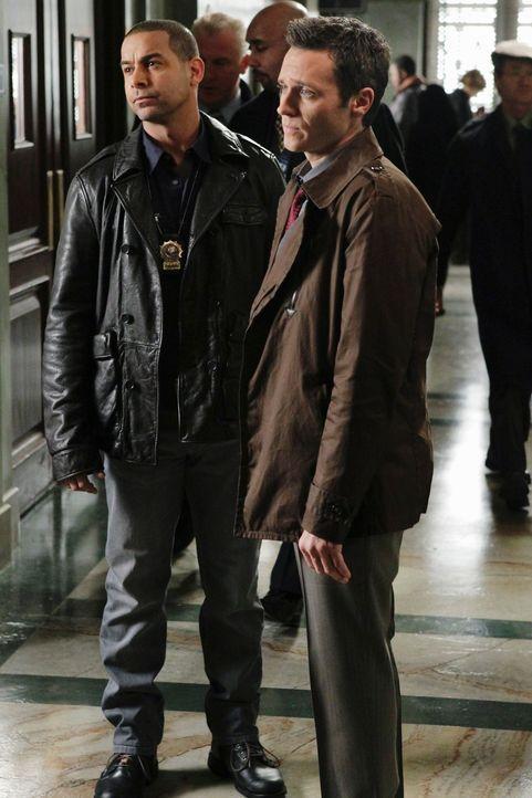 Im Laufe ihrer Ermittlungen müssen Javier Esposito (Jon Huertas, l.) und Kevin Ryan (Seamus Dever, r.) feststellen, dass die meisten der vordergründ... - Bildquelle: ABC Studios
