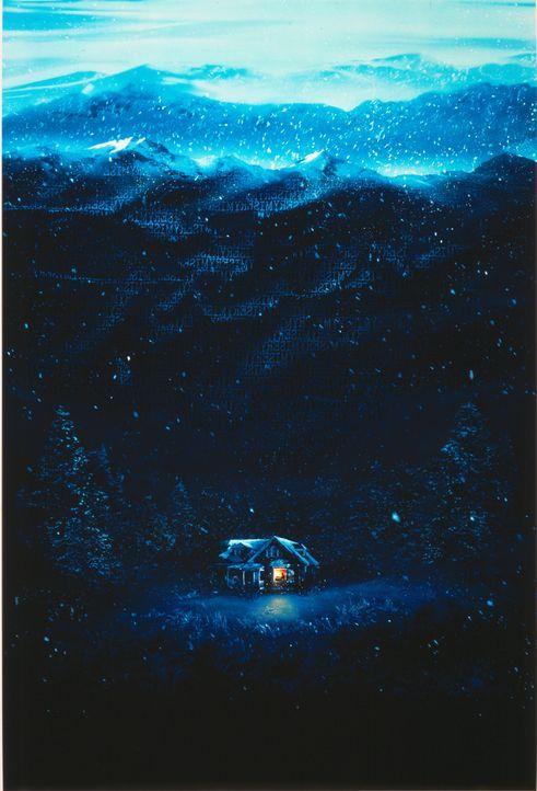 Der Schriftsteller Sheldon stürzt in den verschneiten Bergen Colorados mit seinem Wagen den Abhang hinunter. Annie Wilkes findet den Verletzten - wa... - Bildquelle: Castle Rock Entertainment