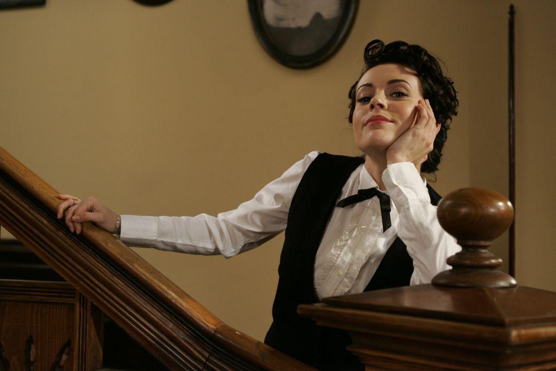 Im Kampf gegen das Böse: Phoebe (Alyssa Milano) ... - Bildquelle: Paramount Pictures