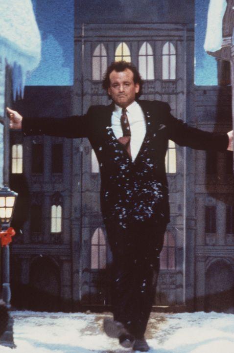 Als der zynische Fernsehboss Frank Cross (Bill Murray) aus dem Weihnachtsmärchen von Charles Dickens ein blutiges Action-Spektakel machen will, tre... - Bildquelle: Paramount Pictures