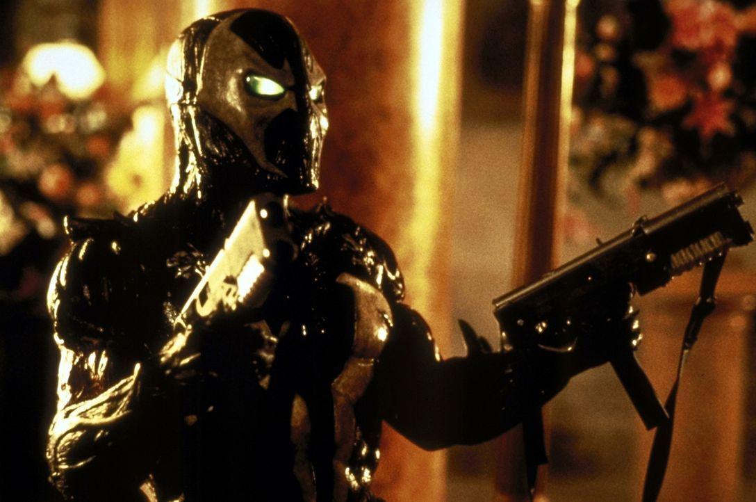 Er kämpft für die Heerscharen Satans, doch sein Herz schlägt für das Gute: Spawn (Michael Jai White) muss sich entscheiden ... - Bildquelle: New Line Cinema