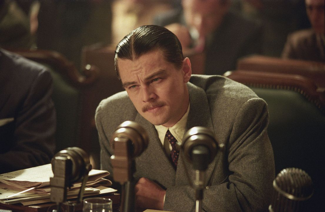 Dem charmanten und gut aussehenden MIllionär Howard Hughes (Leonardo DiCaprio) liegen die Frauen zu Füßen. Doch Hughes hat nur eine wahre Liebe: Das... - Bildquelle: Miramax International