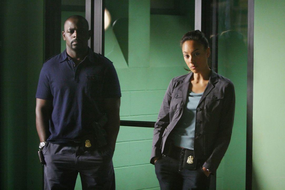Als ein Vater und dessen Tochter von drei Männern entführt werden, übernehmen  Don und seine Kollegen David (Alimi Ballard, l.) und Liz (Aya Sumi... - Bildquelle: Paramount Network Television