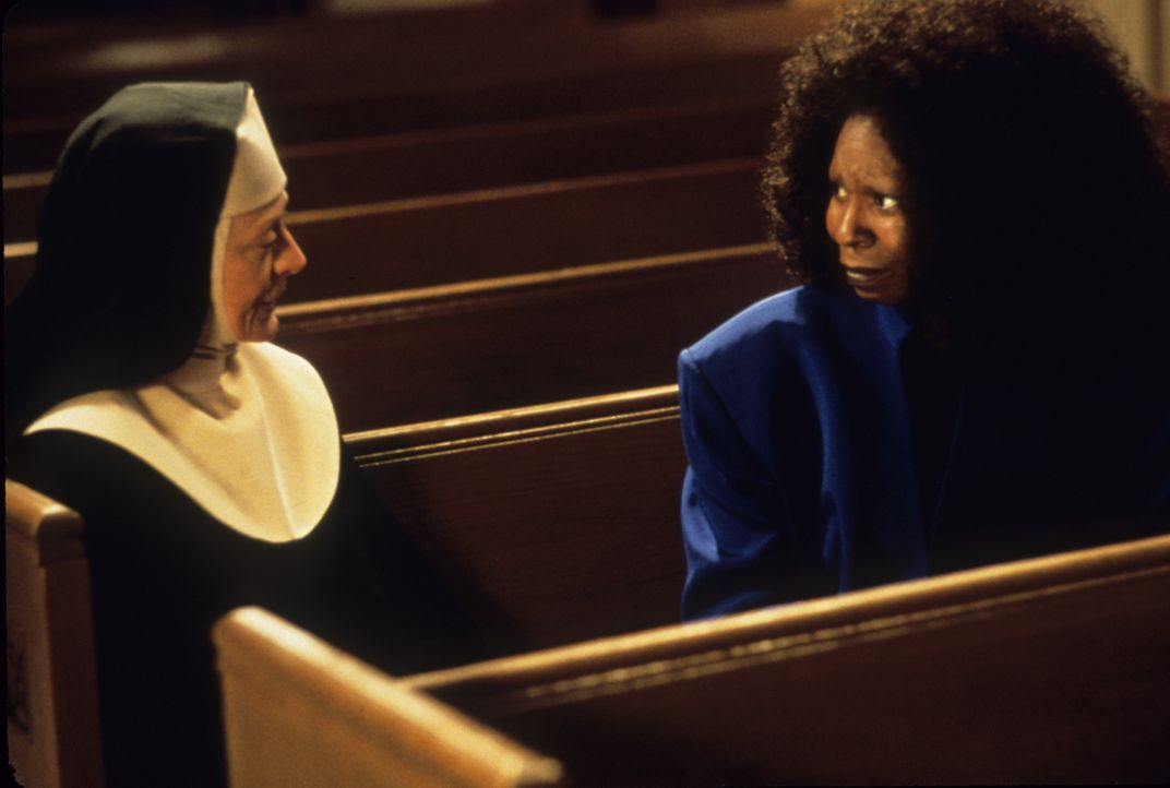 Mutter Oberin (Maggie Smith, l.); Deloris (Whoopi Goldberg, r.) - Bildquelle: Touchstone Pictures & © Buena Vista Pictures. All Rights Reserved.